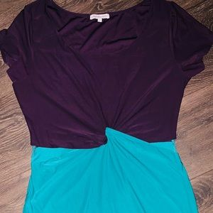Side cut- out dress, color blocked.